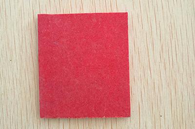 红色合成石